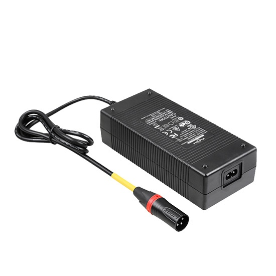 UL PSE CE GS SAA FAN FREE 12.6V 10A Lithium ion battery AC charger adapter
